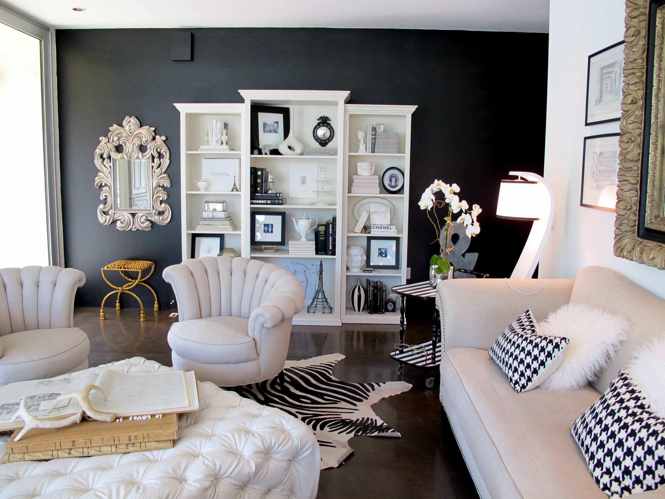 Try it i painted my living room wall black jaimee rose for Living room ideas black